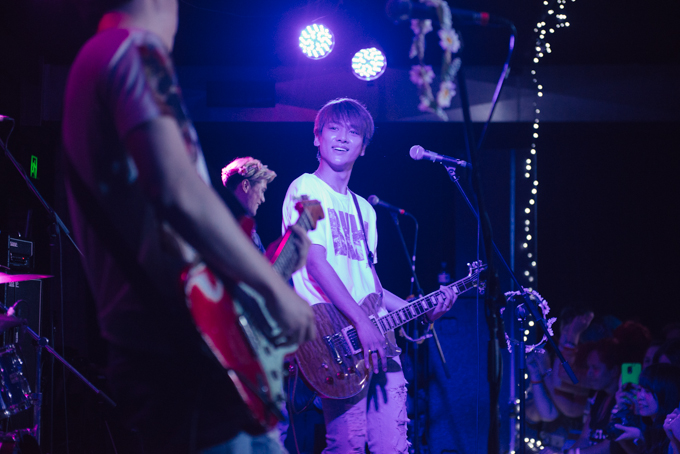 Photo Gallery: LUNAFLY – New Globe Theatre, Brisbane (24.10.15)
