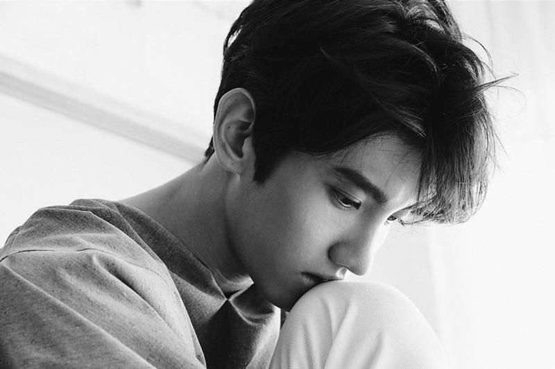 TVXQ's Changmin posts emotional video of shaving his head before enlisting