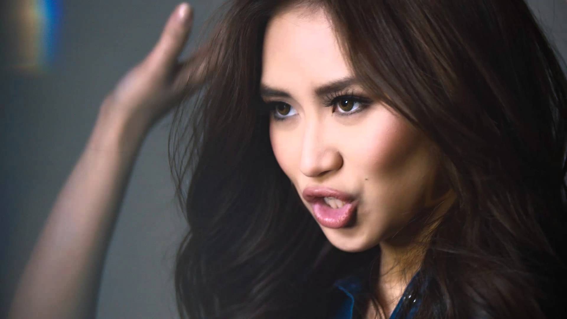 """Sarah Geronimo gets """"The Look"""" with Jag Jeans"""