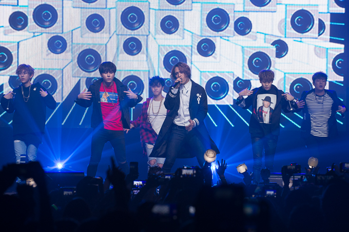 Photo Gallery: BEAST 'Ordinary' Fan Meet – Big Top Luna Park, Sydney (04.12.15)