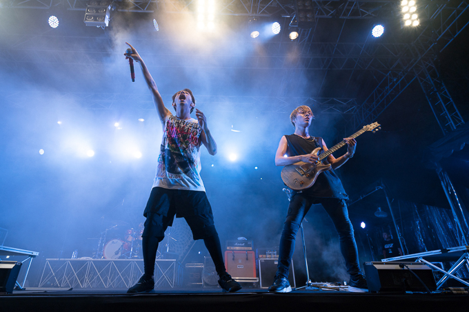 Photo Gallery: ONE OK ROCK – Fort Canning Park, Singapore (23.01.16)