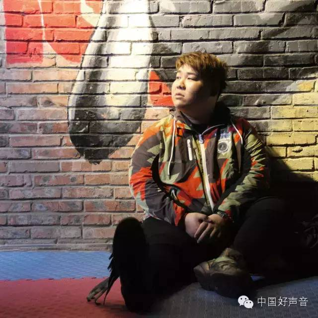 "Voice of China contestant Leon Lee releases debut album ""Two Leons"""