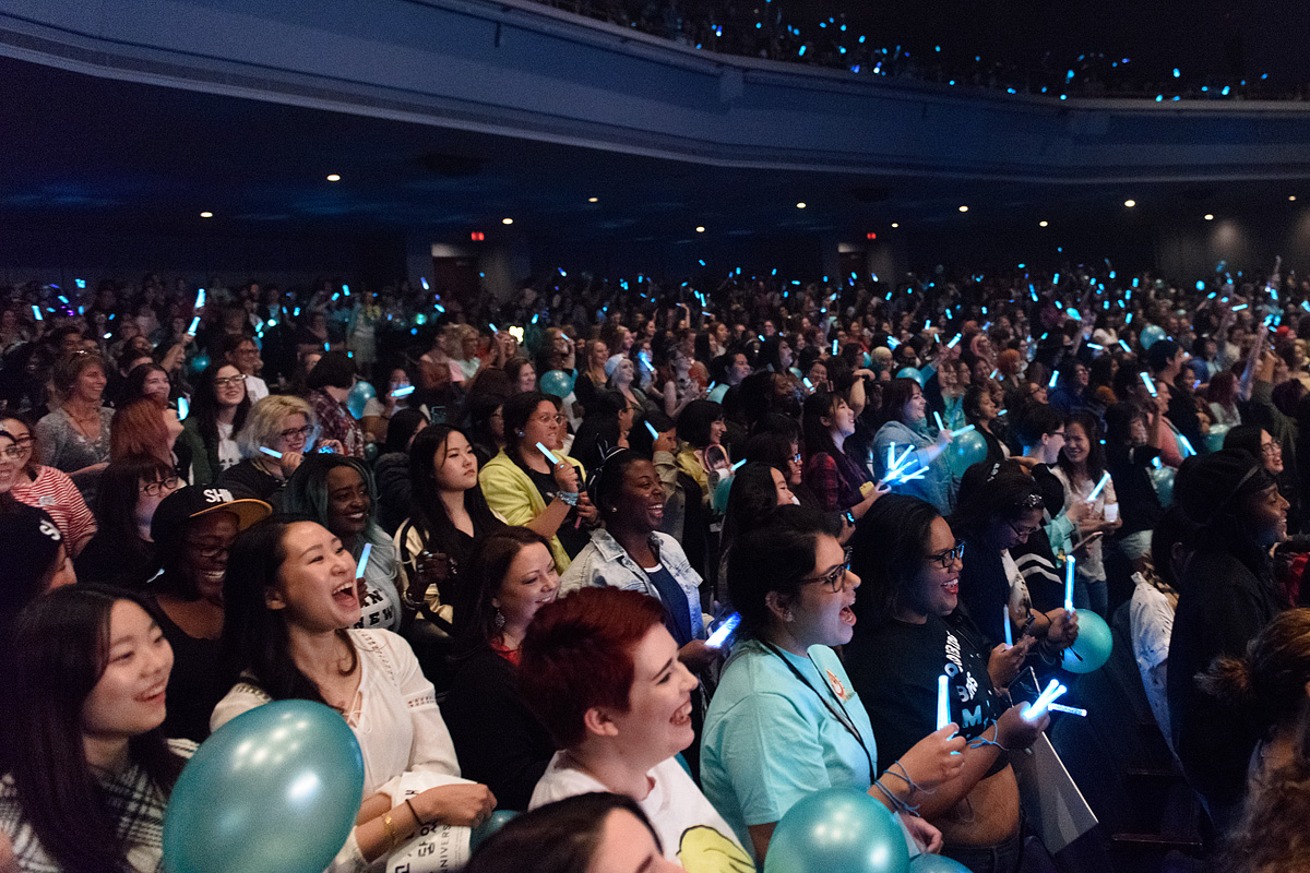 Live Review: SHINee Fanmeet – Rosemont Theatre, Chicago