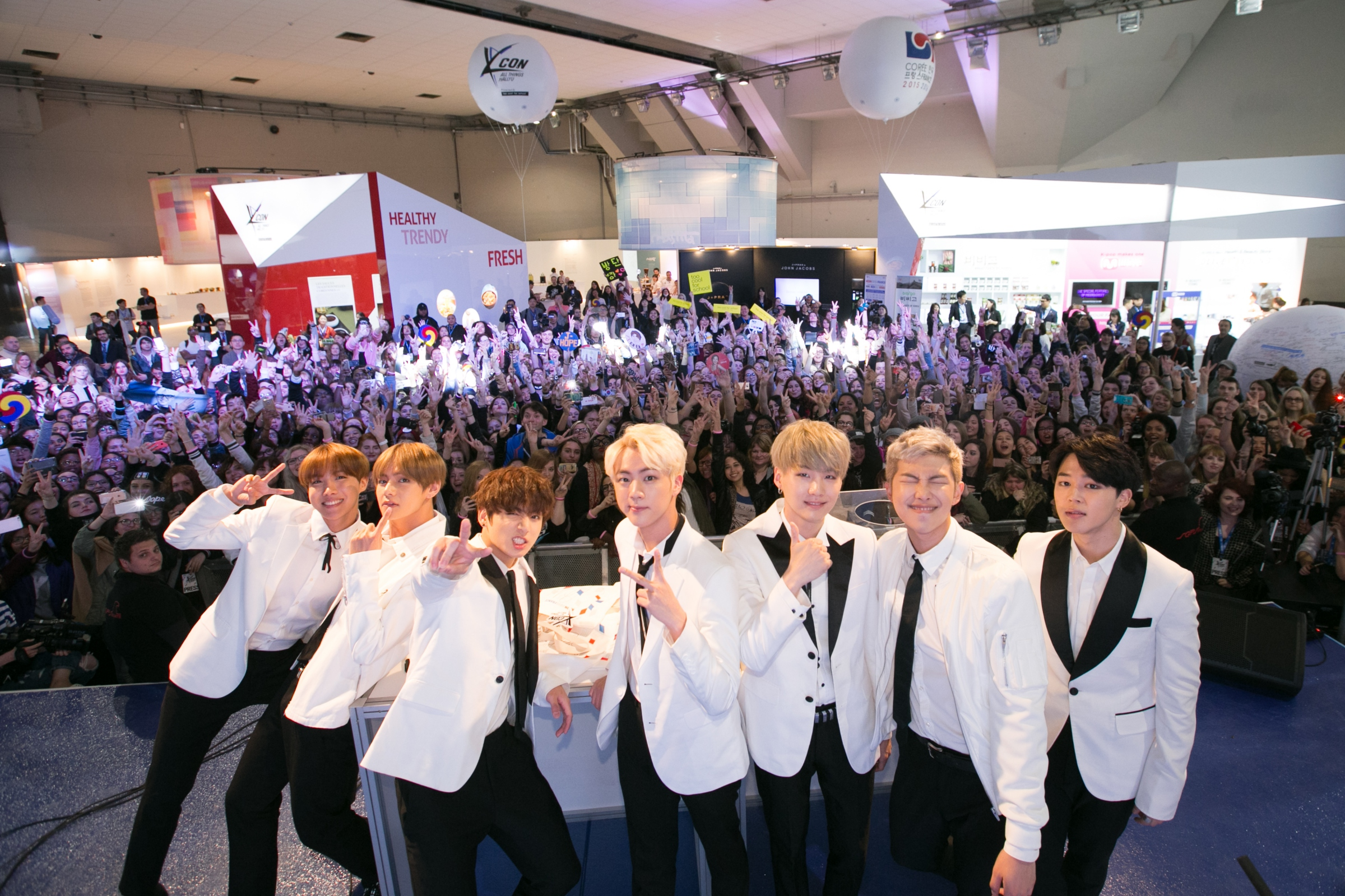 Photo Gallery: KCON France Convention – Accor Hotels Arena, Paris (02.06.16)