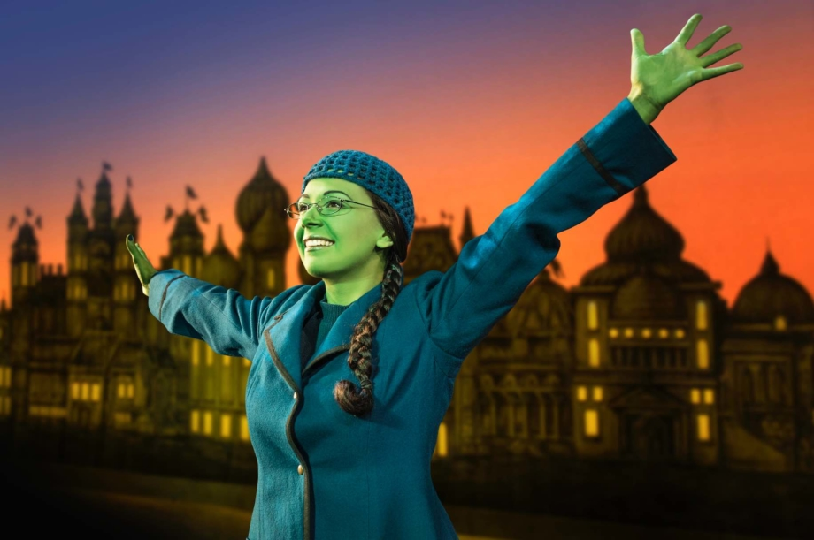 elphaba-young-the-wicked-musical-singapore-aspirantsg-920x611