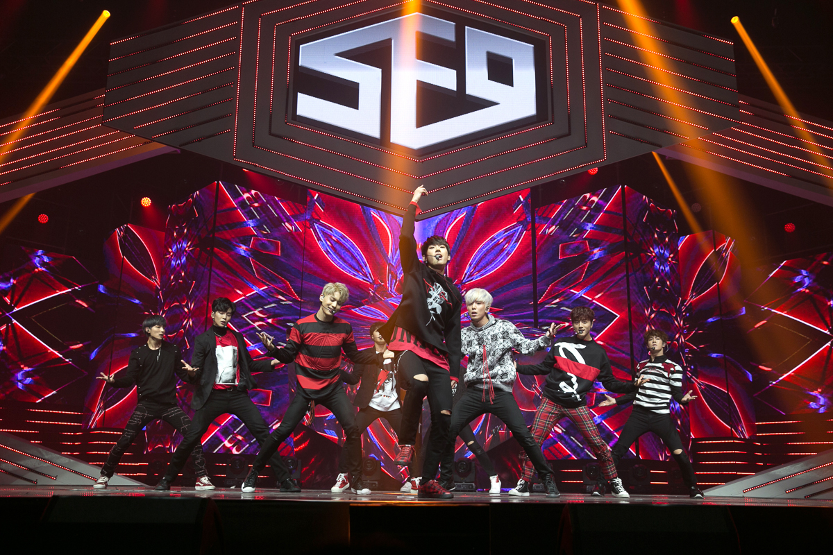 "Live Review: SF9 ""Feeling Sensation"" Showcase – Yes24 LIVE HALL, Seoul (05.10.16)"