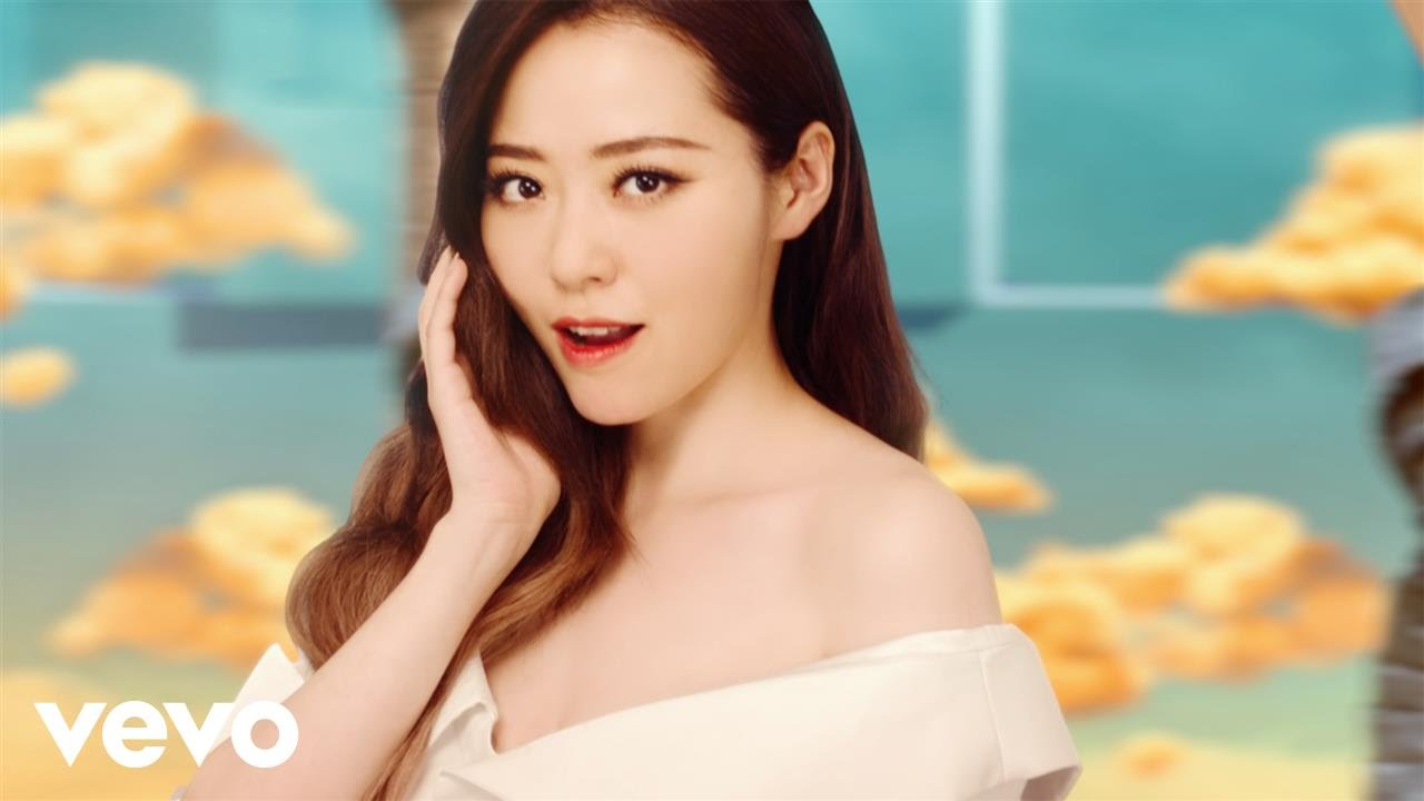 "Jane Zhang makes debut forage into Western market with single ""Dust My Shoulders Off"""