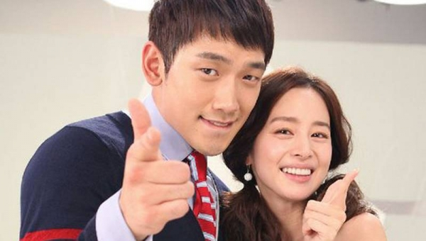 Rain announces upcoming marriage to actress Kim Tae Hee in handwritten note to fans