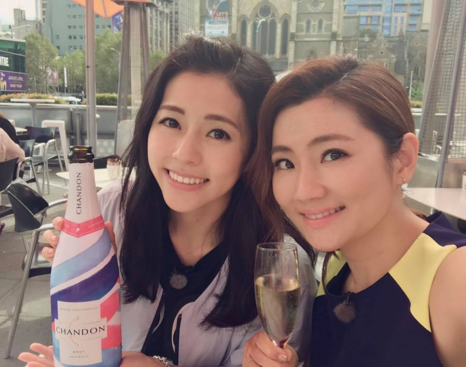 S.H.E's Selina and sister Lorene Ren are out and about travelling in Melbourne