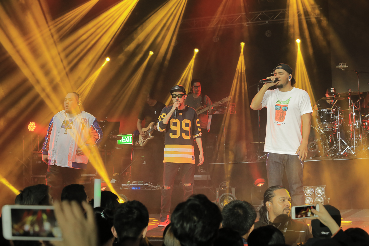 Live Review: Taiwan supergroup G U T S perform their second