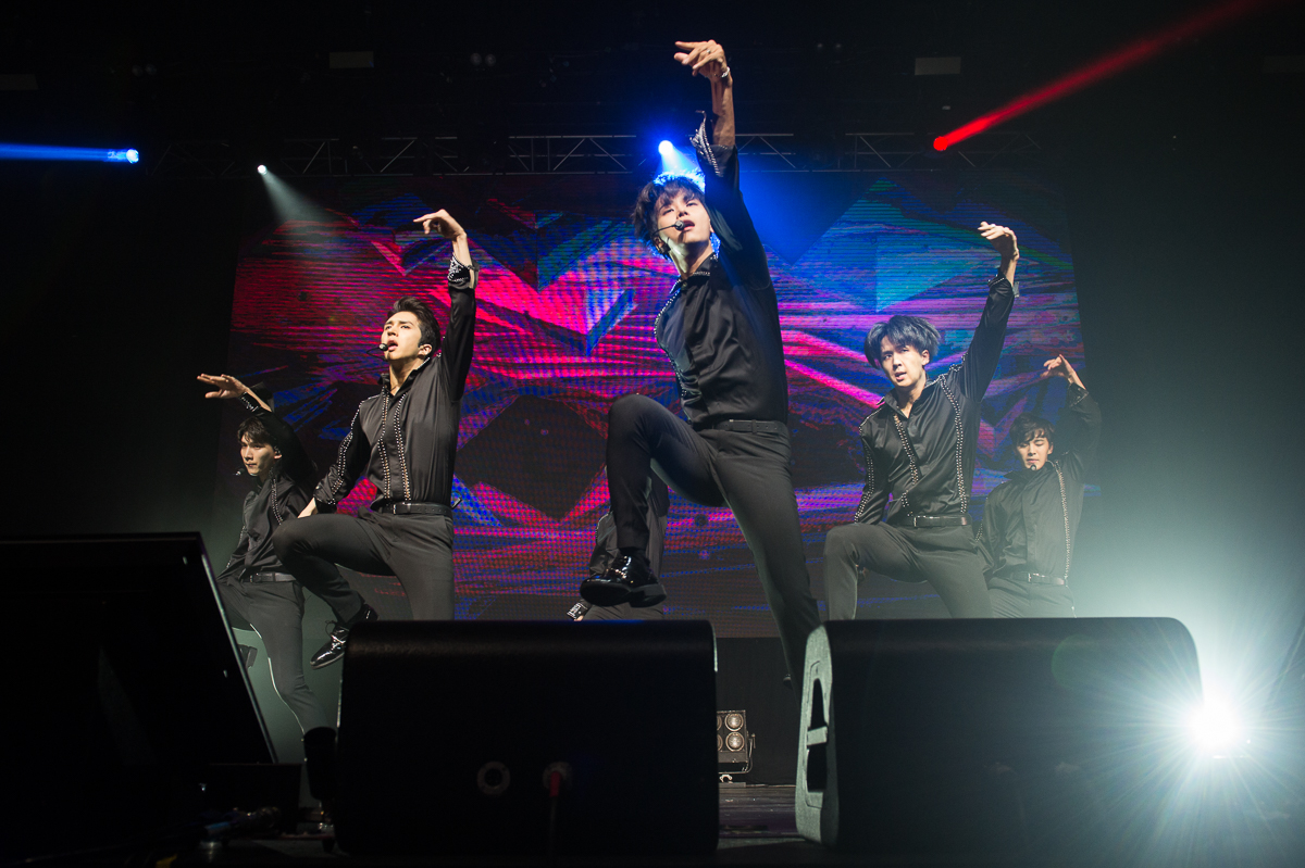 Photo Gallery: VIXX – Big Top Luna Park, Sydney (27.11.17)