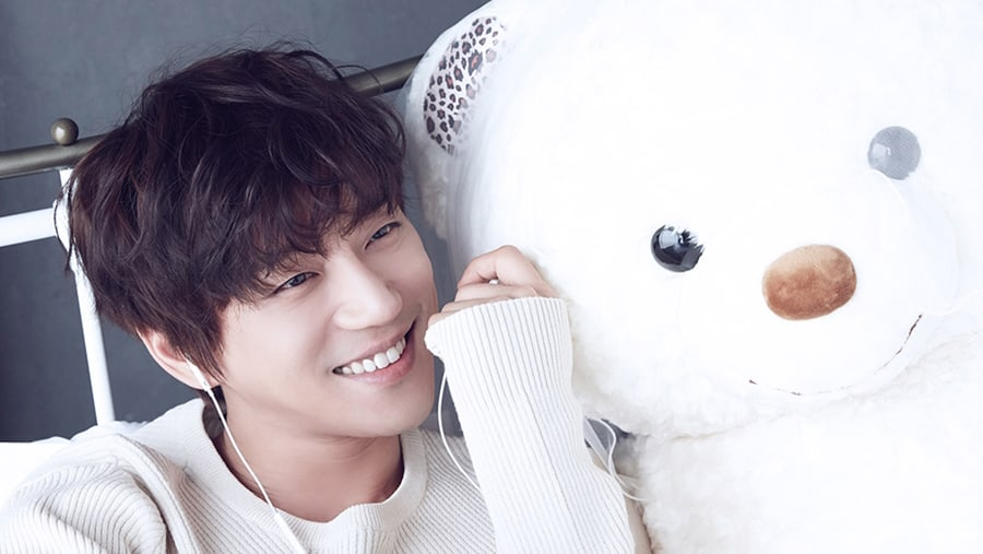 Hwang Chiyeul to hold 'Starry Night' Concert in Singapore this August