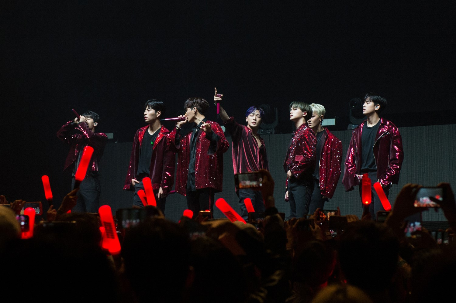 Live Review: iKON- Big Top Luna Park, Sydney (25.10.18)