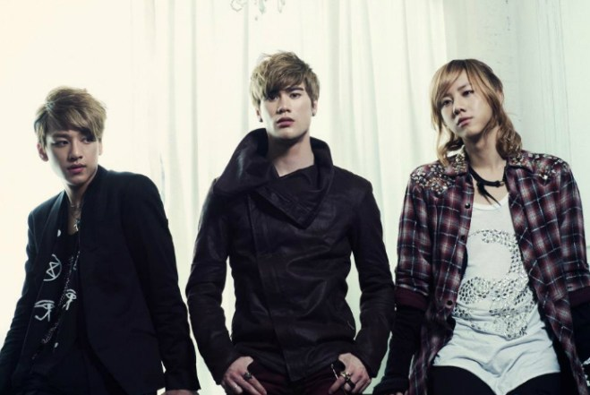 Flashback Friday: LUNAFLY (루나플라이) Performed 'Super Hero' live at Canadian Music Week (2015)