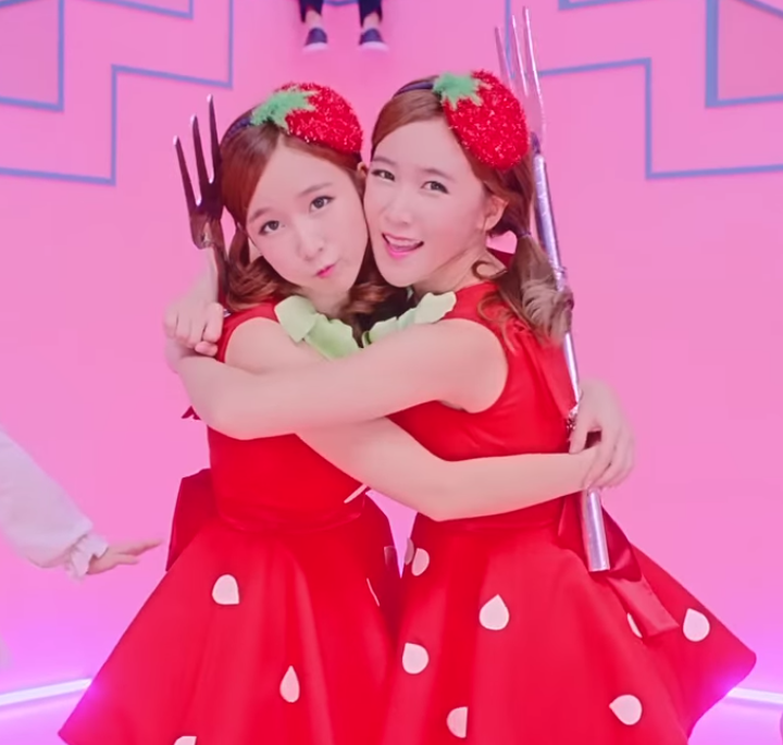 Flashback Friday: We Spoke To Strawberry Milk, Crayon Pop's Sweet Twin Subunit (South Korea, 2014)
